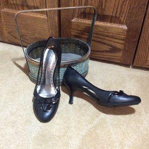 EUC Nine & Co. Black Classic Cutout Heels, 6M